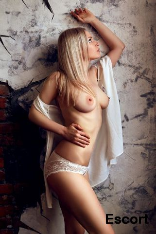 Escort girls in TГґmbua